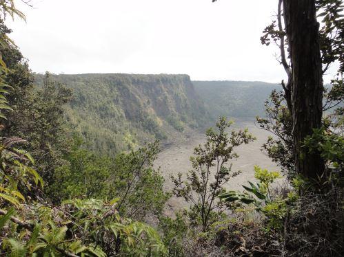 Un cratère dans la caldéra du Kïlauea