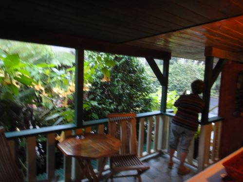 Notre balcon au Chalet Kilauea, à 1.5 m de l'entrée du parc des volcans